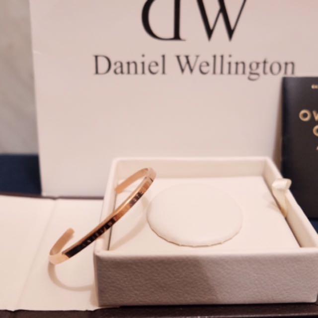 DW Bangle Gold ( Gelang Emas Daniel Wellington )