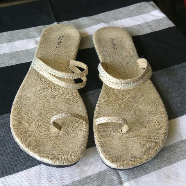 Fladeo Gold Sandal