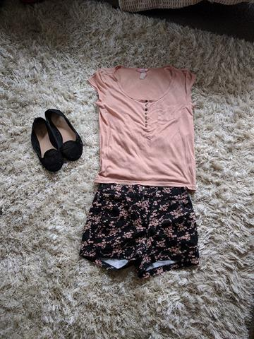 Floral cotton shorts and loose shirt