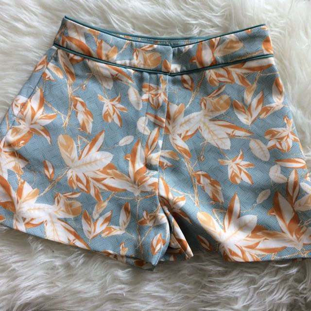 H&M Leaf Printed Shorts