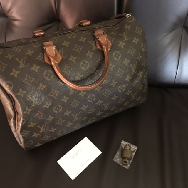 Louis Vuitton Speedy 35 with card and lock set