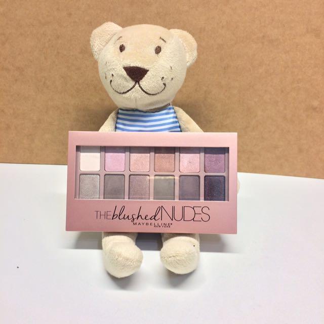 Maybelline時尚伸展台訂製12色眼彩盤 Nude2 小禮服
