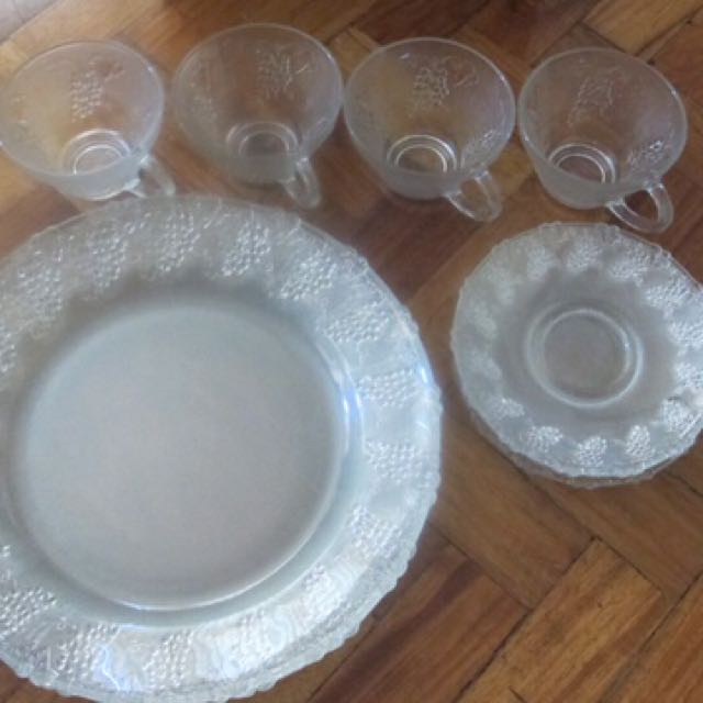 Plateware Glassware Vintage 12 pc Starter Set