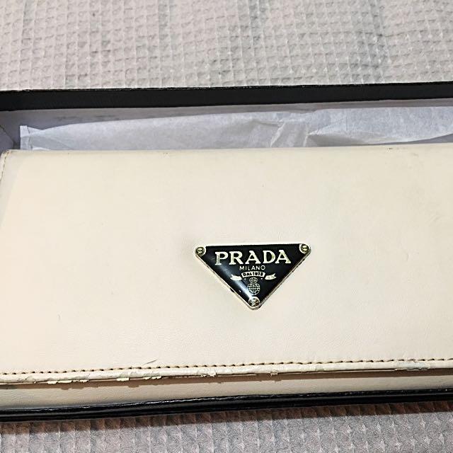 Prada Wallet REPLICA