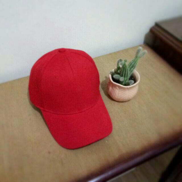 SIMPLE RED CAP FOR SALE