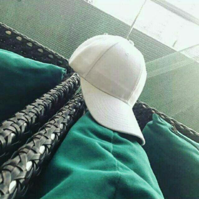 SIMPLE WHITE CAP FOR SALE