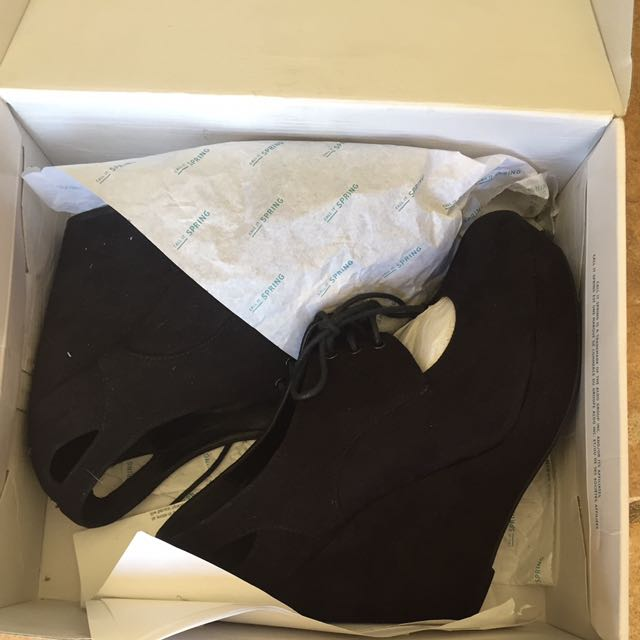 Spring Shoes Size 9