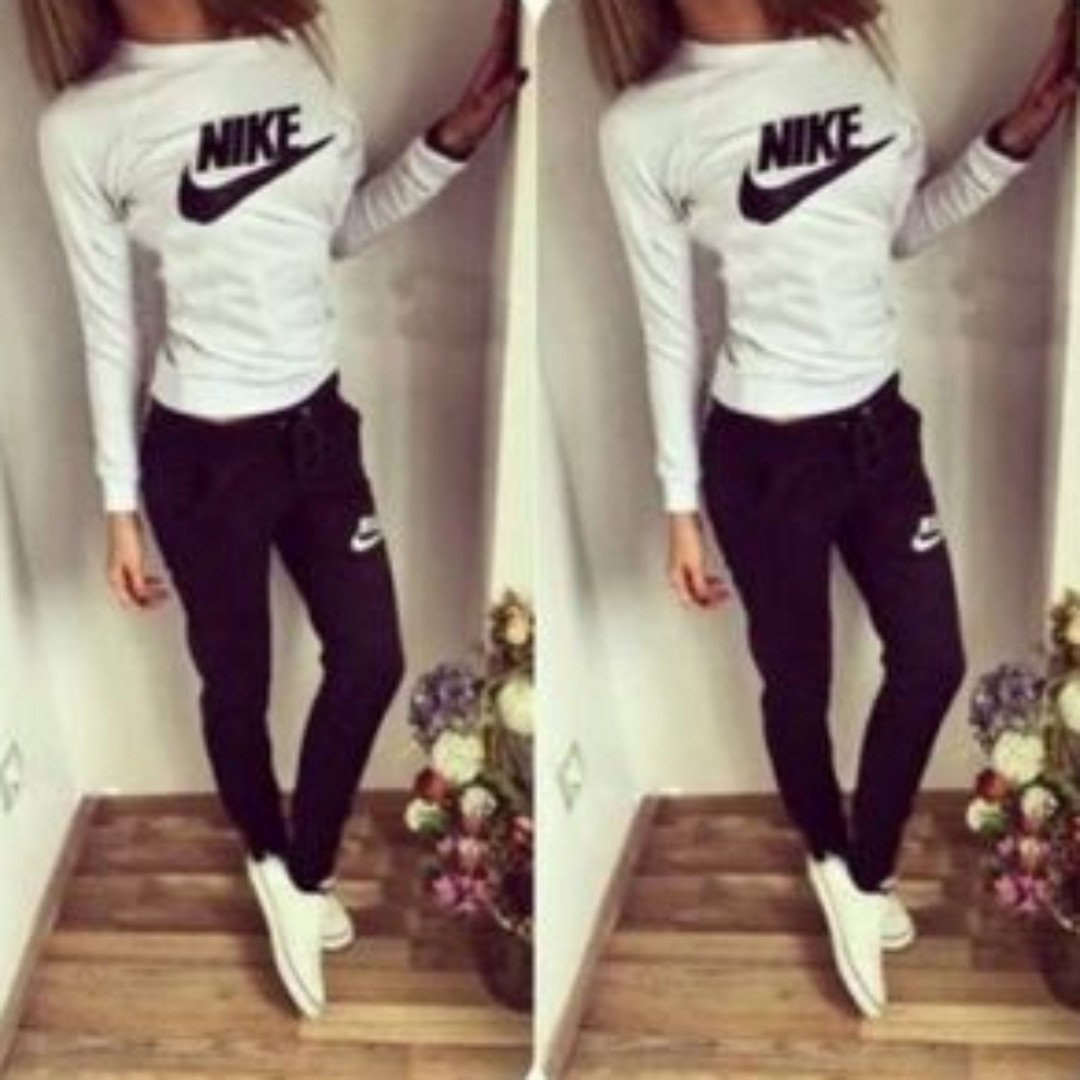 Women Nike Tracksuits