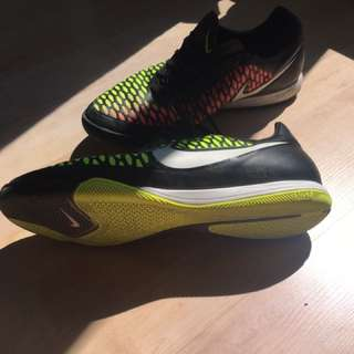 Nike Indoor Soccer Shoes Size 12 Mens