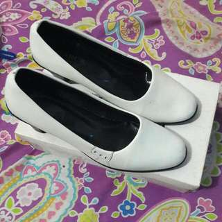 Barca  Shoes White, sepatu kantor