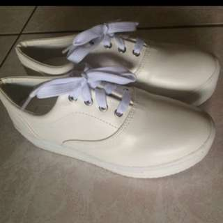 厚底 皮革 小白鞋