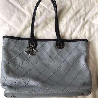 「搬家出清,只賣到4月底」 Chanel牛皮肩背包