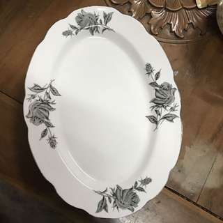 Oval Plate Ros Hitam