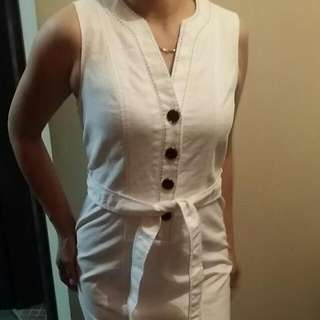Rockmans White dress With Belt Details At The Back