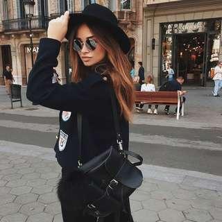 英國 GRAFEA代購 簡約時尚皮革毛球後背包 黑色 現貨