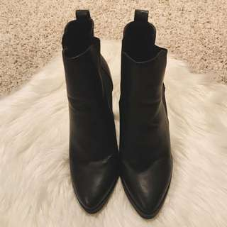LIPSTIK - Black Leather Boots - Size 9.5