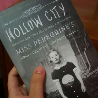 Hallow City (The Second Novel of Miss Peregrine's Peculiar Children)