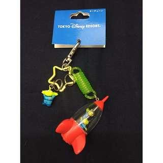 東京 迪士尼 玩具總動員 三眼怪 夾娃娃機火箭造型 吊飾 鑰匙圈