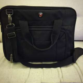 Laptop Bag (tas Laptop) Merk Targus