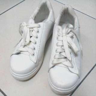 White plain shoes