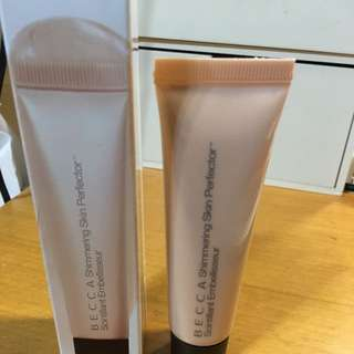 BECCA-Shimmering Skin perfector