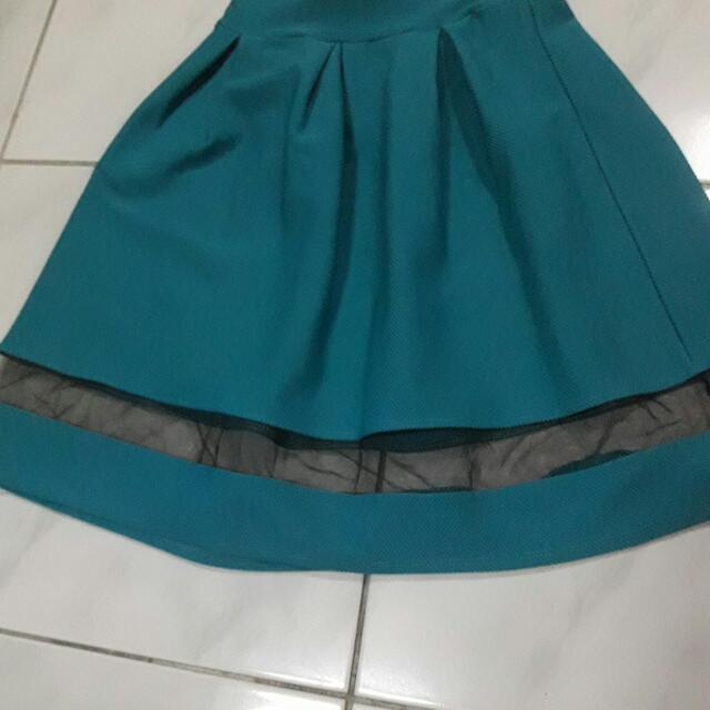 60 PHP PLEATED SKIRT