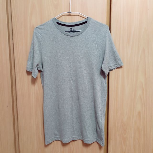 • Bossini 純棉T恤 •
