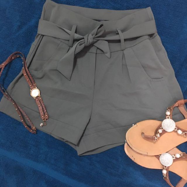 Khaki Shorts With Belt, Size 6