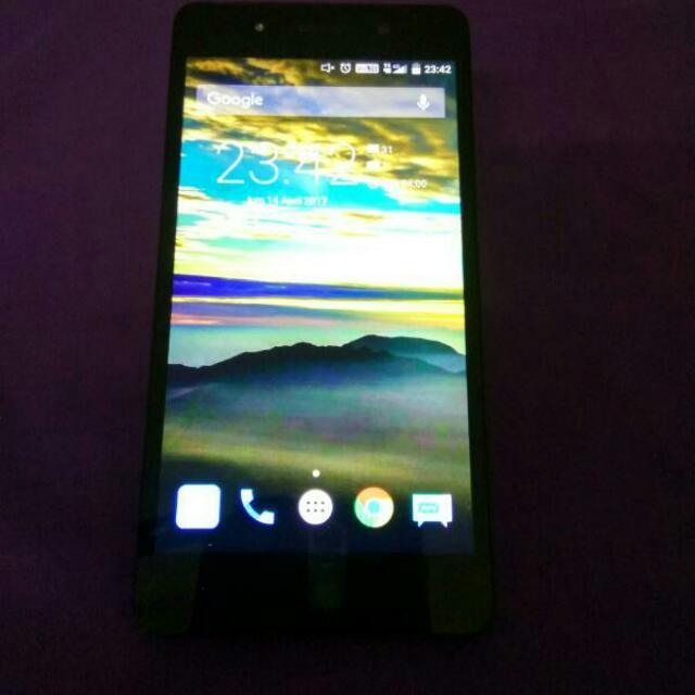 Andromax R Black Gold Minus Body Aja Lecet Pemakaian (Tangan Pertama) Over All Performa Handphonenya Masih Hayud . . Fullset  Spesifikasi Ask Google  Nego Dipersilahkan Asal Sopan TT Dg Lenovo 6000+ Diutamakan . Tq