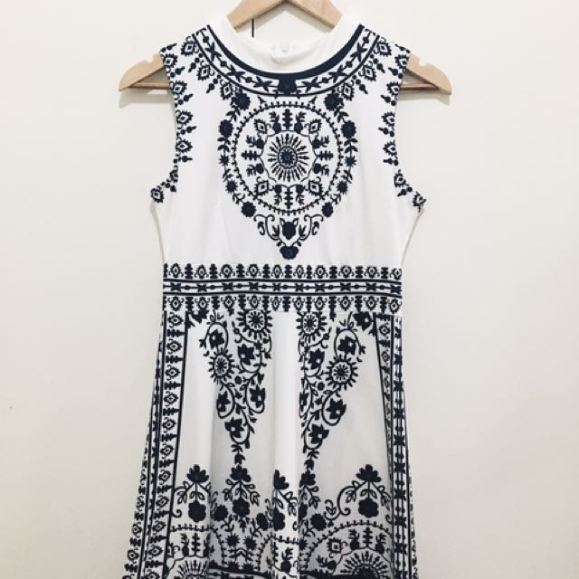 BKK Printed Dress (White And Blue)