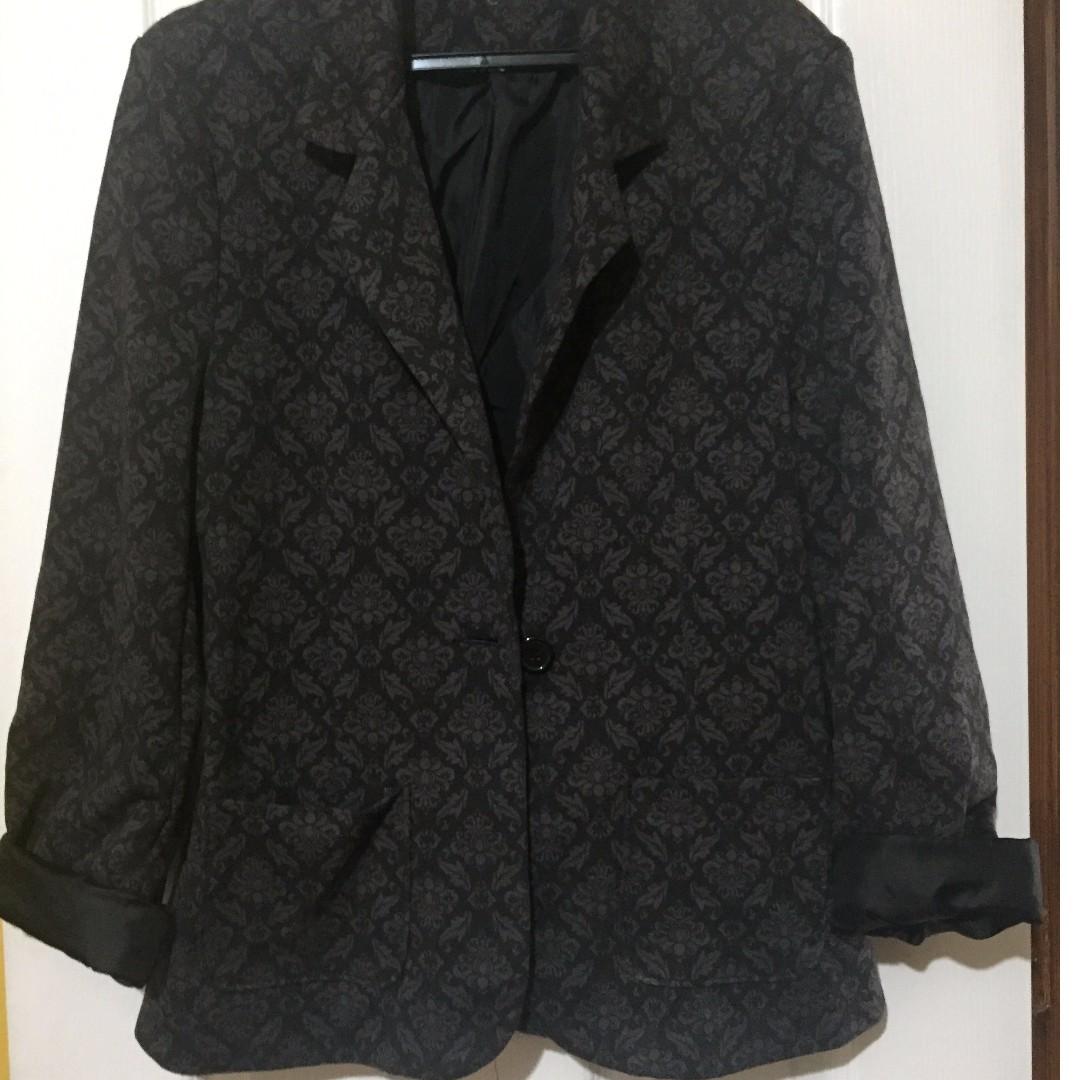 Black blazer with patterns