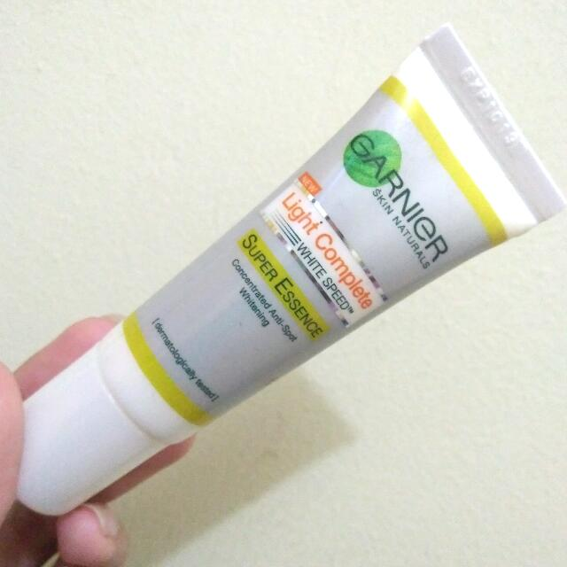 GARNIER WHITE SPEED SUPER ESSENCE
