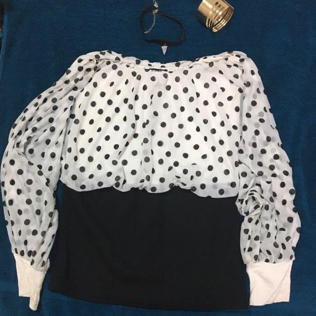 Graffic Black & White Top, Size 8
