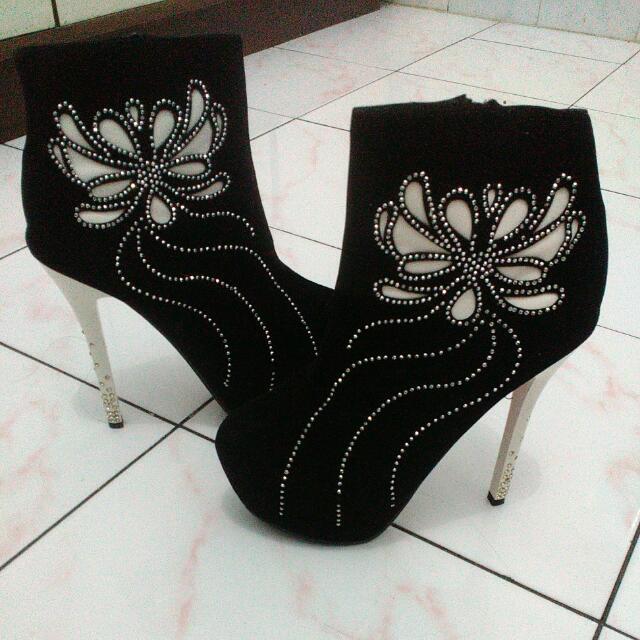 Heels (Boots) Nego