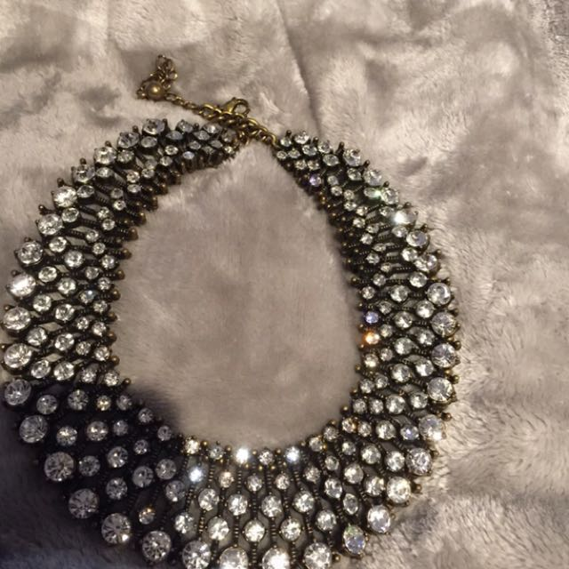 High Quality Collar Necklace!! Look At How It Sparkles!