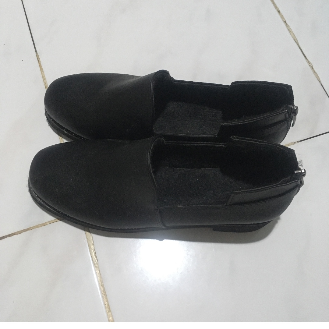 Korean black loafers