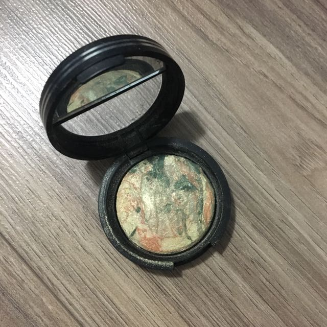 Laura Gellar Baked Eye Shadow