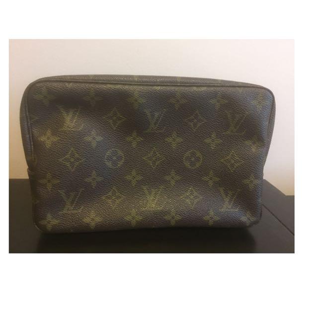 Louis Vuitton Trousse 23 Authentic