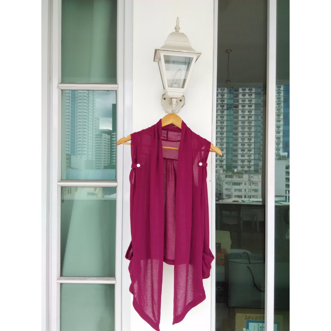 Maroon coverup