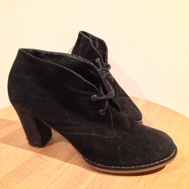 Miss Shop Black Dune Boot Heels Size 7