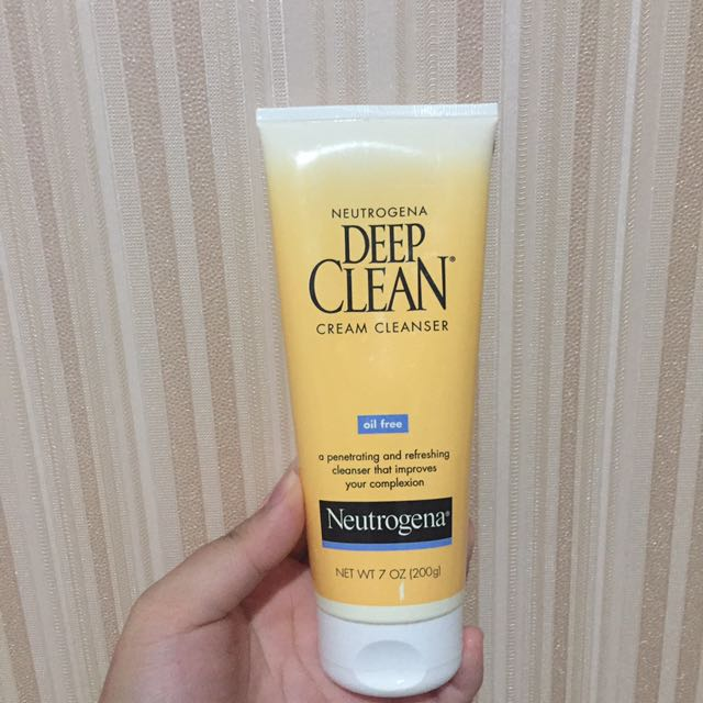 Neutrogena - Deep Clean Cream Cleanser