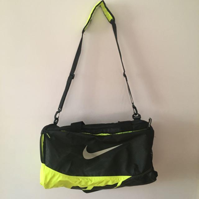 NIKE Max Vapor Duffle Bag (S)