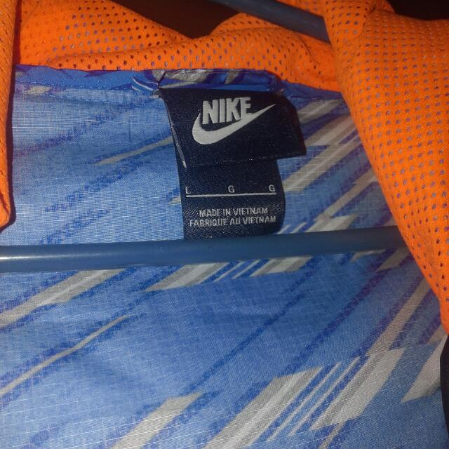 authentic nike water resistant jacket