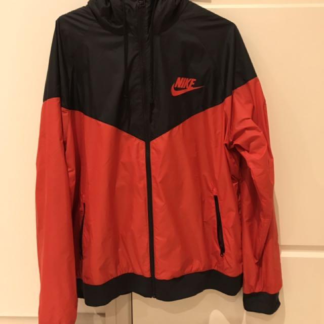 Nike Windrunner Jacket/ Spray Jacket