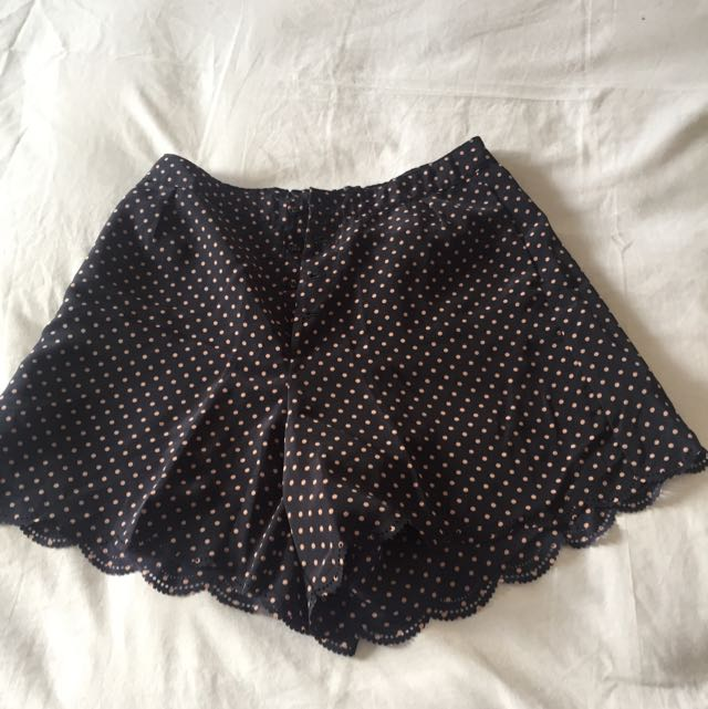 Preloved Polkadot Short