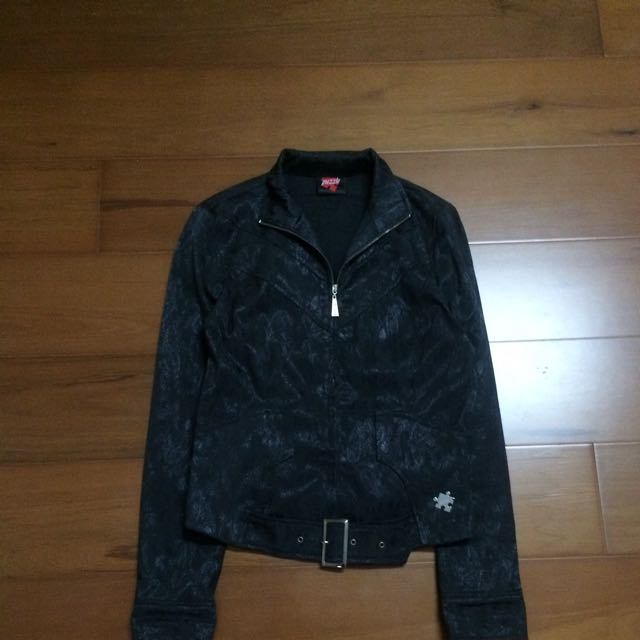 Puzzle黑色薄外套