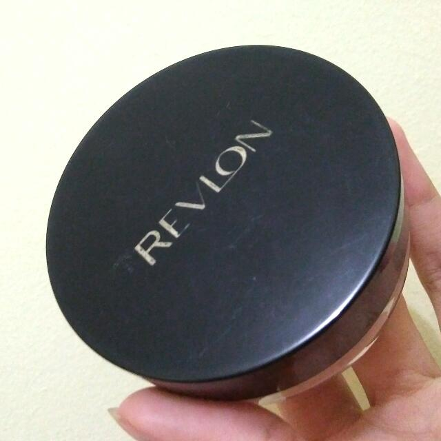 REVLON TOUCH & GLOW POWDER