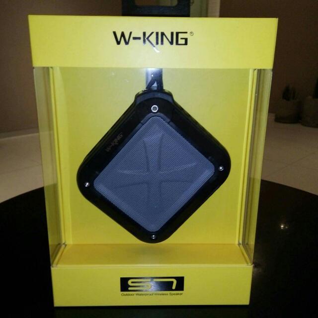 S7 W-KING Waterproof Outdoor Bluetooth 4.0 Wireless Speaker (Black)