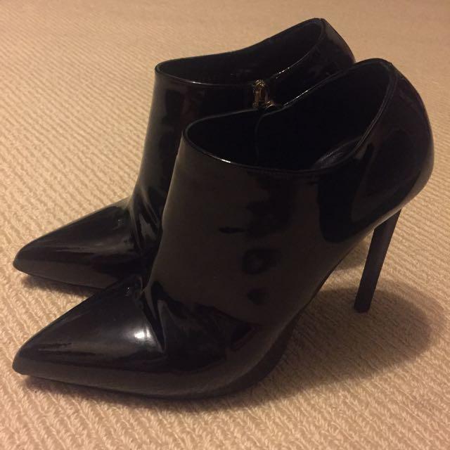 Saint Laurent Booties Patent Leather EU38
