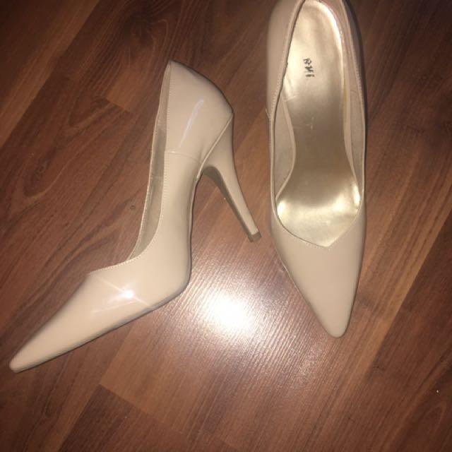 Size Ten Nude Heels